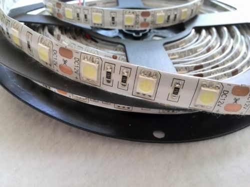 Светодиодная лента smd 5050, холодное белое свечение, на белой основе (водонепроницаемая), 60 led на 1 метр