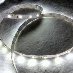 Светодиодная лента smd 3528 холодное белое свечение, на белой основе, 60 led на 1 метр
