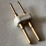 Вилка подключения водонепроницаемой светодиодной ленты smd 3528 к проводу питания