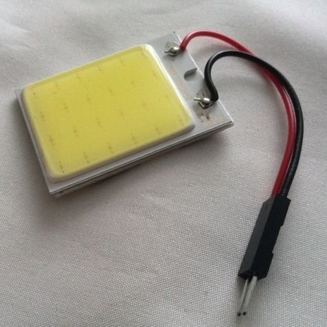 Светодиодная лампа для освещения салона автомобиля LED DOME light 24 холодного белого свечения